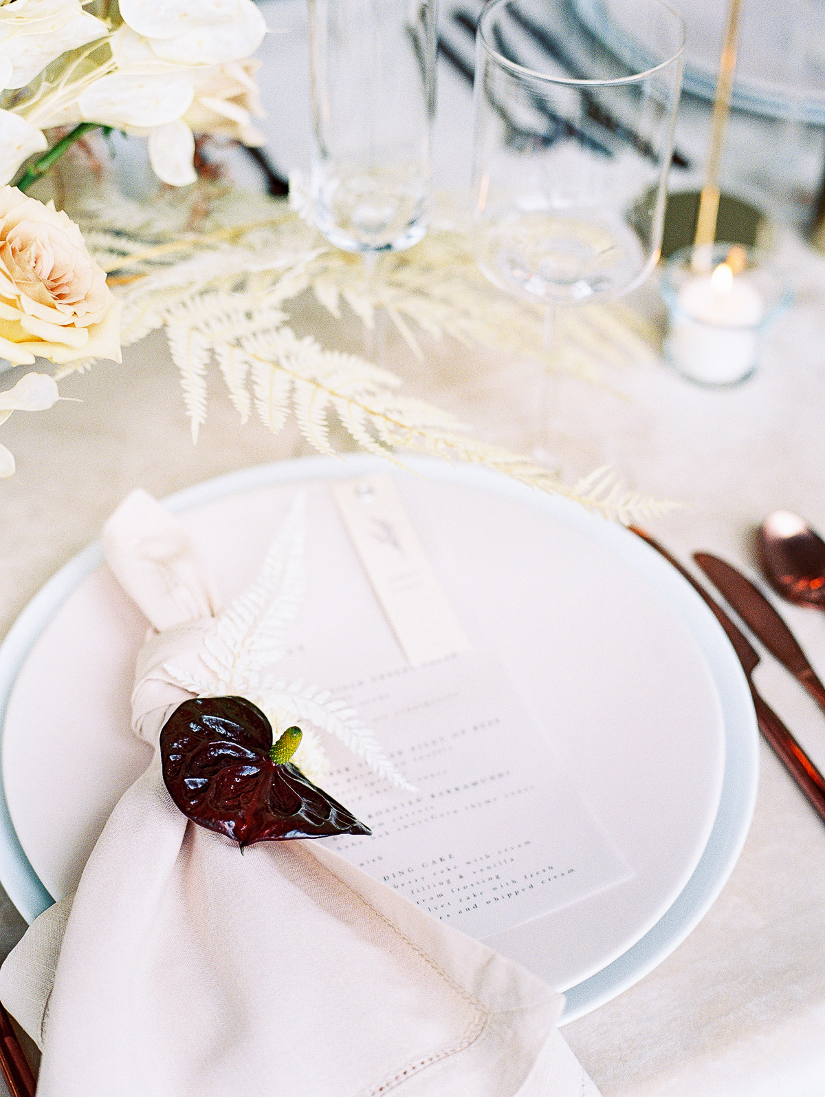 Refined tablesettings for an urban inspired wedding at Jupiter Hotel in Portland Oregon